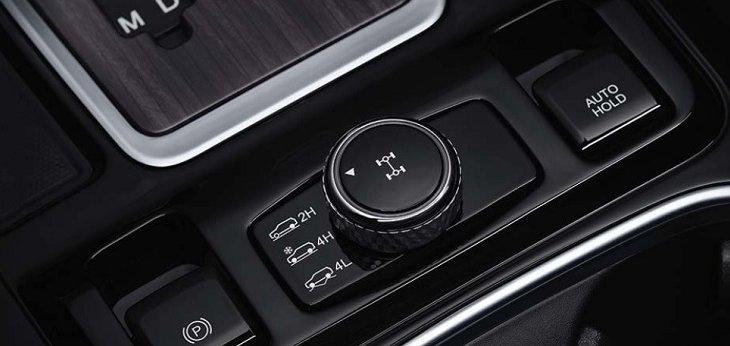 Ssangyong Rexton 2019 สามารถเลือกไดรฟ์การขับขี่ได้ 3 แบบ ทั้ง 2H, 4H และ 4L ได้แบบง่ายๆ เพียงแค่หมุน