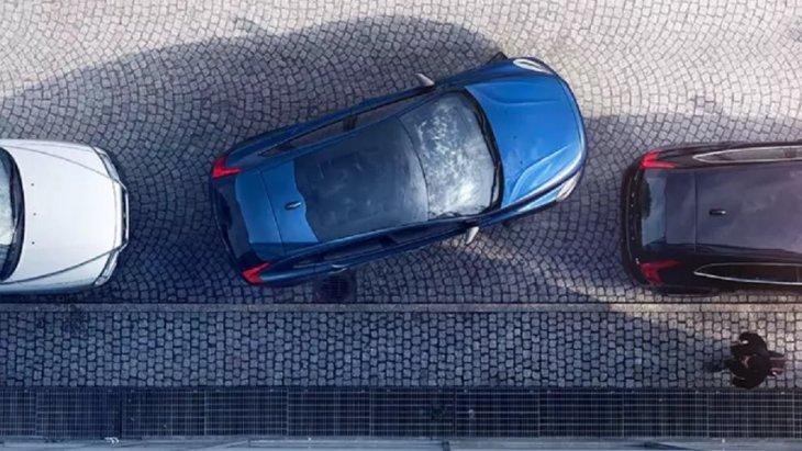 ระบบช่วยในการจอดรถกึ่งอัตโนมัติ เพิ่มความสะดวกสบายในการจอดรถให้ง่ายและปลอดภัยมากยิ่งขึ้น