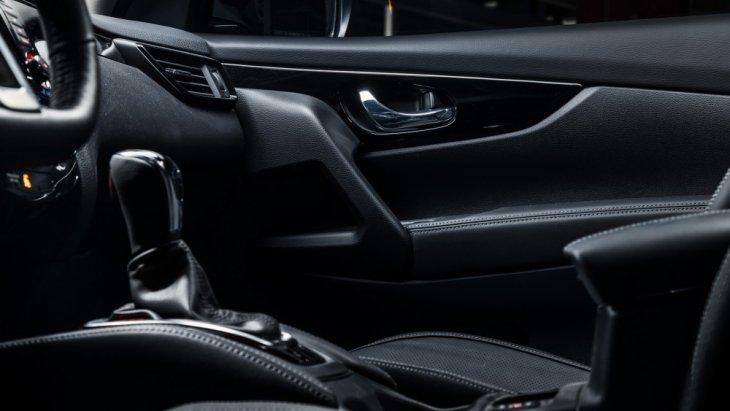 ติดตั้งระบบกึ่งขับขี่อัตโนมัติ Nissan's ProPilot semi-autonomous ที่ควบคุมทั้ง พวงมาลัย แป้นคันเร่ง และแป้นเบรก