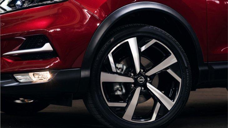 กันชนหน้าใหม่ทรงสปอร์ตอารมณ์เดียวกับ Crossover พระเอกเบอร์ 1 อย่าง Nissan X-Trail
