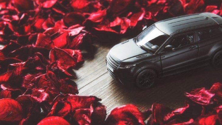 When someone else's happiness is your happiness. That is love. May your Valentine's Day be filled.  เมื่อความสุขของใครสักคนเป็นความสุขของคุณด้วย นั่นคือความรัก  ขอให้วาเลนไทน์ของคุณเต็มไปด้วยความรัก