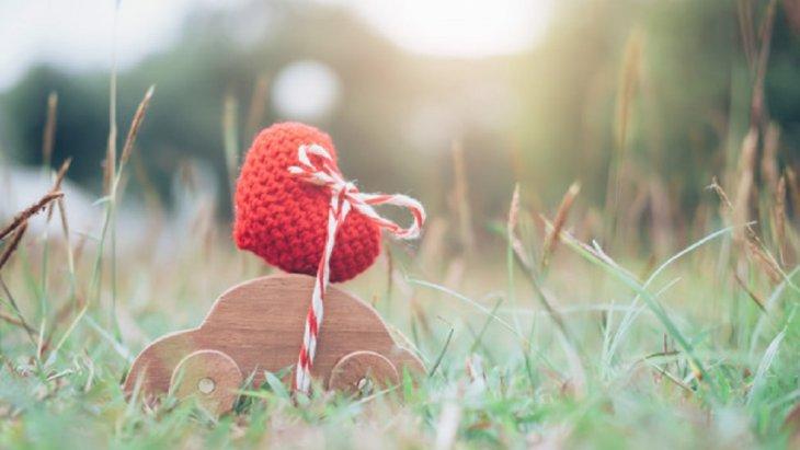 """ฉันไม่เคยรู้ว่ารักคืออะไร กระทั่งได้พบคุณ และเมื่อความห่างไกลพรากเราจากกัน  ฉันก็ได้รู้ว่า """"รักแท้"""" คืออะไร สุขสันต์วันวาเลนไทน์"""