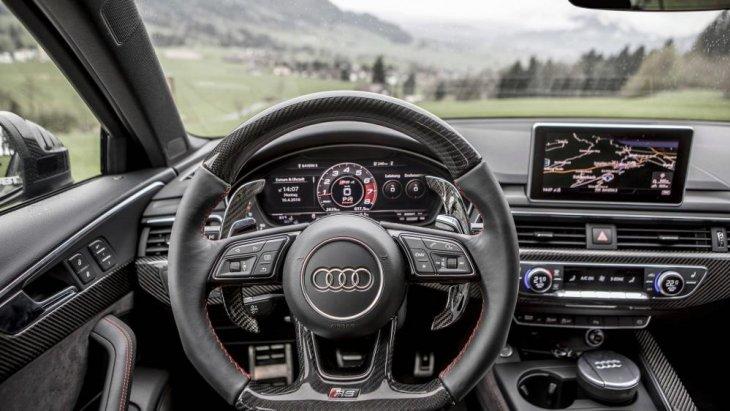 การออกแบบภายในตัวรถที่พิถีพิถันและสวยงาม
