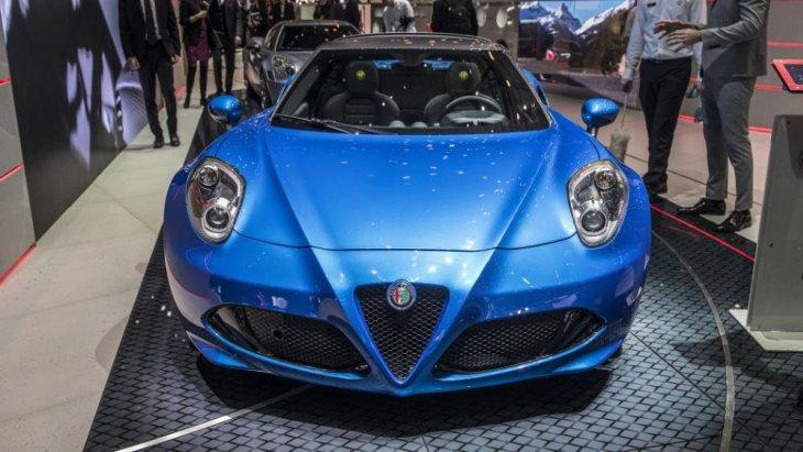Alfa Romeo ยังปรับเปลี่ยนกรอบไฟหน้าใหม่ที่โดดเด่นยิ่งขึ้น