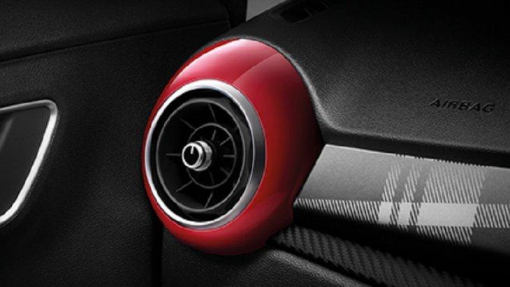 ชุดแต่งภายในห้องโดยสารของ ALL NEW MG3 ก็มีเช่นกัน โดยการเพิ่มสีสันให้กับห้องโดยสารด้วยชุดครอบช่องแอร์สีแดงดีไซน์สปอร์ต