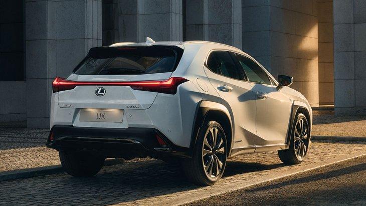 สำหรับจุดเด่นของ All-new Lexus UX 2019 ใหม่ (UX ย่อมาจาก Urban Crossover) คือดีไซน์ที่กล้าหาญ คาแรกเตอร์ชัดเจนและงานประกอบที่ประณีต สัดส่วนกะทัดรัด ไม่ใหญ่โตแบบรถ PPV ส่วนใหญ่