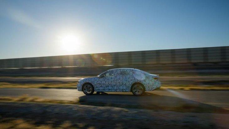 เส้นสายของตัวรถที่ดูสวยงามและเป็นรูปทรงมาขึ้น