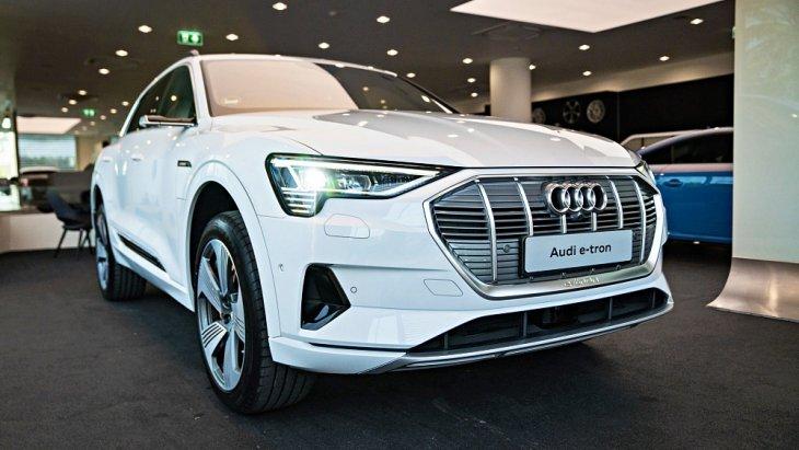 ตามด้วยรถยนต์จากเมืองเบียร์ อย่าง All-new Audi e-tron 2019