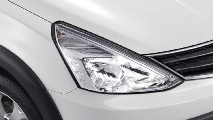 ไฟหน้าดีไซน์ใหม่ แบบ LED ที่มาพร้อมกับแสงสว่างที่ส่องประกายทำให้มองเห็นได้ไกลและชัดเจนขึ้น