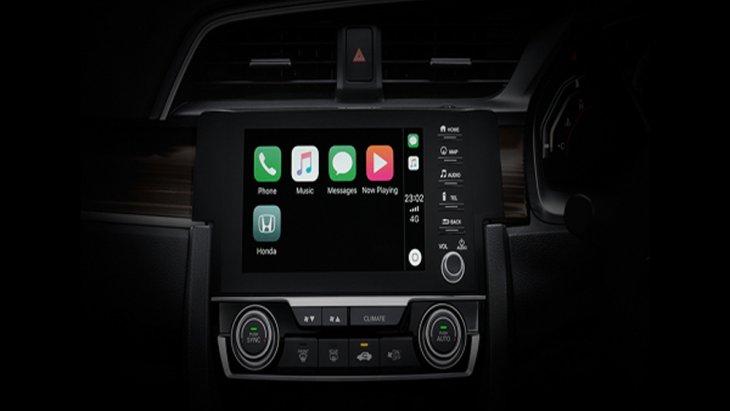 Honda Civic 2019 ให้ความบันเทิงผ่านระบบอินโฟเทนเมนท์บนหน้าจอระบบสัมผัสขนาด 7 นิ้ว แบบ Advanced Touch รองรับ Apple Carplay พร้อมระบบควบคุมเครื่องเสียงบนพวงมาลัย