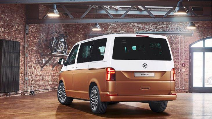 ขุมพลัง Volkswagen Caravelle T6 ใหม่ (T6.1) เป็นอีกหนึ่งไฮไลต์ที่น่าจับตา เพราะจะมีเพิ่มรุ่นที่ขับเคลื่อนด้วยไฟฟ้าล้วน พัฒนาร่วมกับพาร์ตเนอร์คู่บุญ ABT มีแบตเตอรี่ให้เลือก 2 ขนาดความจุ คือ 38.8 kWh และ 77.6 kWh