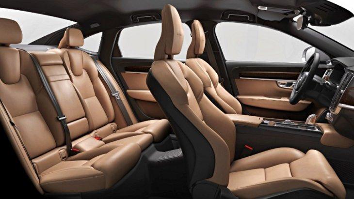 ส่วน เบาะหน้าระบบระบายความร้อน เบาะหุ้มหนังแบบ Perforated Nappa Leather สีเบทน้ำตาล พร้อม เบาะหน้าระบบระบายความร้อน