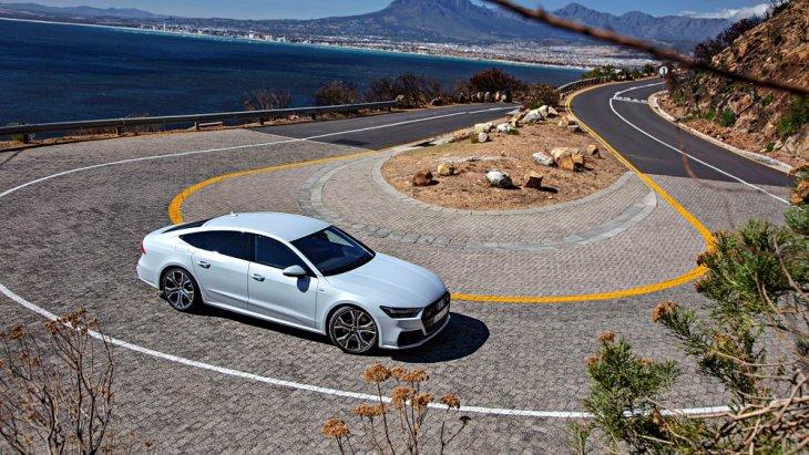 พร้อมระบบขับเคลื่อน 4 ล้อ quattro และมีโหมดการขับขี่ให้เลือกปรับได้ (Audi drive select)