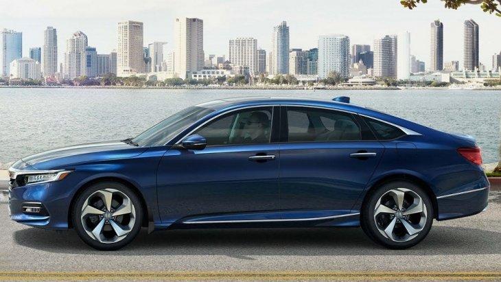 Honda Accord 2019 รถเก๋งซีดานรุ่นใหม่จากทาง Honda ยนตรกรรมระดับพรีเมียม สวยโดดเด่นด้วยการออกแบบเน้นความหรูหราแต่ก็ดูแข็งแกร่งและเท่สไตล์สปอร์ตรวมอยู่ในคันเดียวได้อย่างลงตัว ด้วยราคาเริ่มต้นที่ 1,4xx,000 บาท