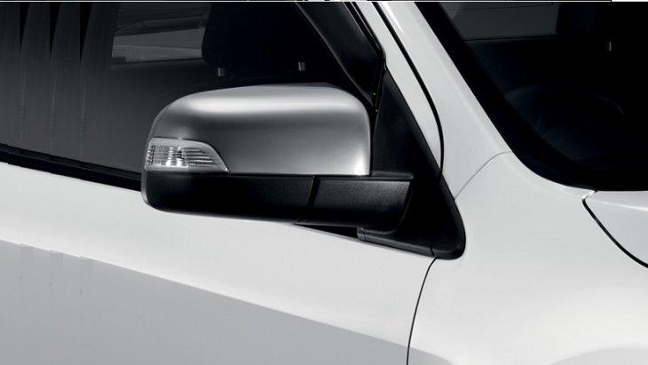 ชุดแต่ง Mazda BT-50 PRO ฝาครอบกระจกข้างโครเมี่ยม หมายเลขอะไหล่ : UG2GV3650 ราคา 1,290 บาท (ไม่รวม VAT)
