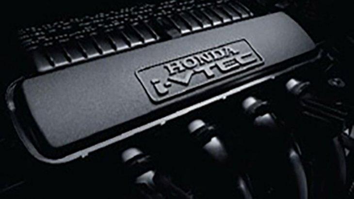 Honda Mobilio ได้รับการติดตั้งขุมพลังเครื่องยนต์เบนซิน SOHC 4 สูบ 16 วาล์ว i-VTEC ขนาด 1.5 ลิตร ให้กำลังสูงสุด 117 แรงม้า ที่ 6,000 รอบ/นาที แรงบิดสูงสุด 146 นิวตัน-เมตร ที่ 4,700 รอบ/นาที ส่งกำลังด้วยระบบเกียร์ CVT