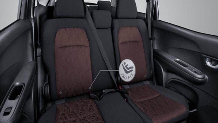 Honda Mobilio พร้อมให้การปกป้องผู้ขับขี่ในทุกทริปการเดินทางผ่านระบบถุงลมนิรภัยคู่หน้าแบบ Dual SRS ที่ประสานการทำงานร่วมกับเข็มขัดนิรภัยคู่หน้าแบบดึงรั้งกลับอัตโนมัติจำนวน 3 จุด 2 ตำแหน่ง ส่วนเข็มขัดนิรภัยแถวที่ 2 เป็นแบบ 3 จุด 3 ตำแหน่ง และ ในแถวที่