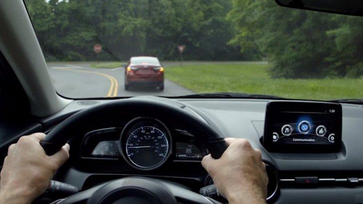 TOYOTA YARIS 2019  มาพร้อมกับเทคโนโลยีระบบ Pre-Collision ช่วยแจ้งให้ผู้ขับขี่ได้ทราบก่อนเกิดการชนล่วงหน้า ด้วยการเตือนด้วยระบบเสียง และระบบช่วยเบรกอัตโนมัติ