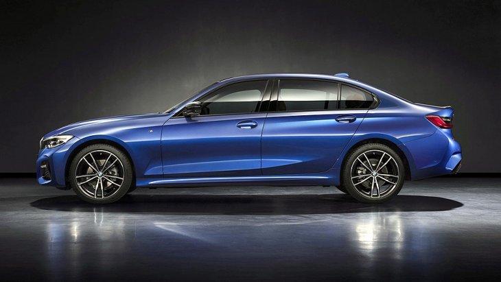 รวมถึงในหลาย ๆ รุ่น ไม่เว้นแต่ใน BMW 1 Series Sedan ก็ยังมีฐานล้อยาวให้เลือก