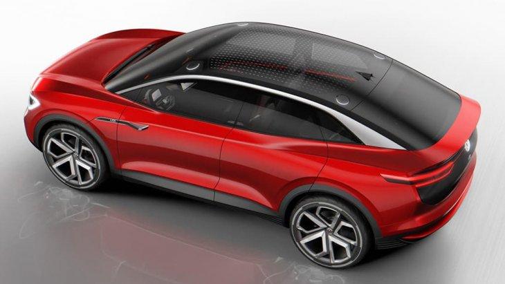 พร้อมทั้งร่วมงานกับพันธมิตรจากค่ายรถสัญชาติเดียวกันอย่าง Audi และทาง Porsche ในการพัฒนาผลิตฟอร์มและระบบต่างๆของตัวรถยนต์ แบบ ระบบไฟฟ้าทั้งคัน