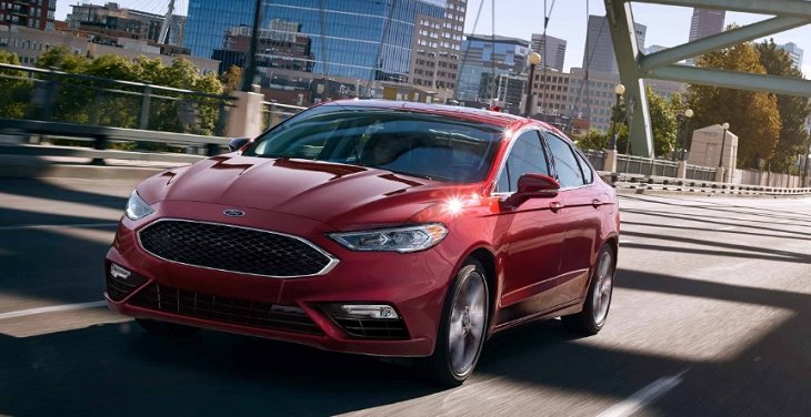 Ford FUSION 2019  มาพร้อมกับระบบขับเคลื่อนสี่ล้ออัจฉริยะ เซ็นเซอร์ AWD อัจฉริยะเพื่อสร้างความสมดุลแรงบิดระหว่างล้อหน้าและล้อหลังเพื่อยกระดับการควบคุมและการยึดเกาะถนนให้เสถียรมากขึ้น