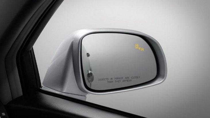 Chevrolet Trailblazer 2019 มอบการคุ้มครองผู้ขับขี่ในทุกเส้นทางด้วยโครงสร้างตัวถังนิรภัย Safety Cage ระบบแจ้งเตือนจุดอับสายตาแบบ Side Blind Zone Alert ระบบแจ้งเตือนการชนด้านหน้า Forword Collision Alert และ กล้องมองภาพด้านหลังขณะถอยจอด