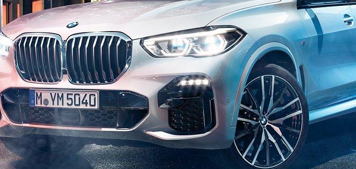 3.เสริมความมีพลังให้กับ The All-new BMW X5 (2019) ด้วยไฟหน้าแบบ LED สายพันธ์ X  สไตล์สปอร์ต ที่ออกแบบมาให้เข้ากับกระจังหน้าได้อย่างลงตัว