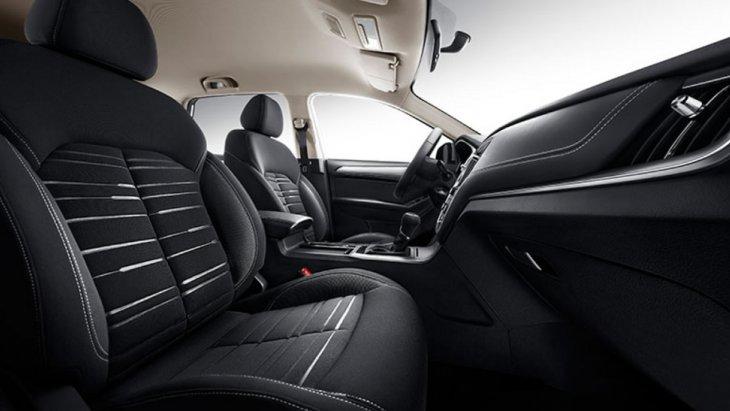 ภายในห้องโดยสาร MG RX5 (2019) ได้รับการออกแบบมาอย่างหรูหรา และกว้างขวางนั่งสบายทุกที่นั่ง