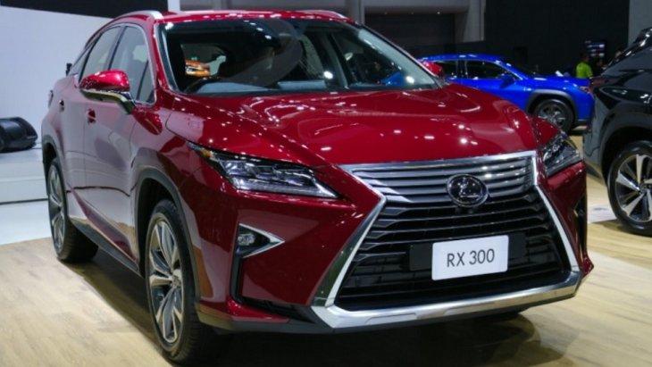 LEXUS RX300 รถยนต์ครอสโอเวอร์ ระดับหรูหรา โดดเด่นด้วยการดีไซน์ที่สง่างาม ครบครันด้วยเทคโนโลยีอำนวยความสะดวกสบาย และสมรรถนะในการขับขี่ที่ยอดเยี่ยม พร้อมตอบสนองได้อย่างดีเยี่ยมในทุกการขับขี่