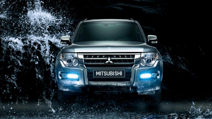 เสริมความดุดันให้กับด้านหน้ารถด้วยไฟหน้าขนาดใหญ่แบบ LED ที่มาพร้อมกับไฟส่องสว่างในเวลากลางวันแบบ LED