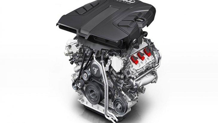 Audi Q7 มาพร้อมทางเลือกเครื่องยนต์ที่มีให้ถึง 3 รูปแบบ ได้แก่ เครื่องยนต์เบนซิน 4 สูบ รหัส CYR Direct Injection ขนาด 2.0 ลิตร , เครื่องยนต์ดีเซล V6 Commonrail Direct Injection ขนาด 3.0 ลิตร และ เครื่องยนต์เบนซิน V6 Direct Injection ขนาด 3.0 ลิตร