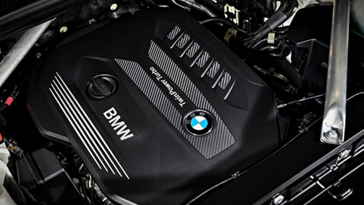 BMW X5 xDrive30d M Sport ได้รับการติดตั้งเครื่องยนต์ดีเซลเทอร์โบ Twin-Power Turbo 6 สูบ แถวเรียง ขนาด 3.0 ลิตร ให้กำลังสูงสุด 265 แรงม้าที่ 4,000 รอบต่อนาที แรงบิดสูงสุด 620 นิวตัน-เมตร ที่ 2,000-2,500 รอบ/นาที ส่งกำลังด้วยระบบเกียร์อัตโนมัติ Steptro
