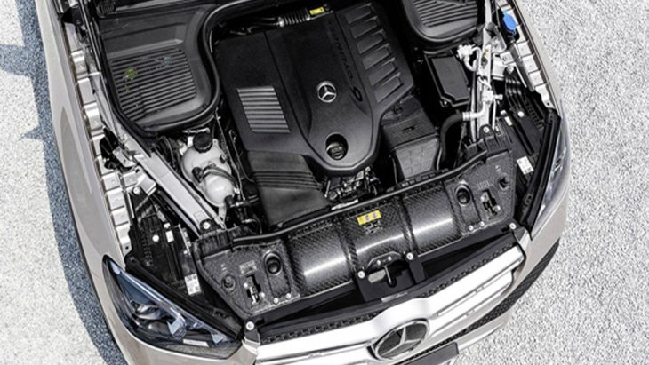Mercedes-Benz GLE 2019 ได้รับการติดตั้งเครื่องยนต์เบนซิน 6 สูบ แถวเรียง ขนาด 3.0 ลิตร พร้อมระบบไมล์ไฮบริด EQ boost ให้กำลังสูงสุด 367 แรงม้า จับคู่กับระบบเกียร์อัตโนมัติ 9 สปีด พร้อมเกียร์ทรอนิกส์ โดยมีอัตราการเร่ง 0-100 กิโลเมตร ภายใน 5.5 วินาที