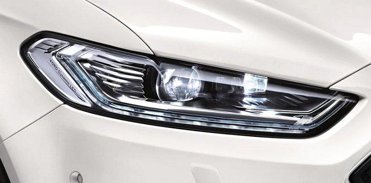 ไฟหน้าแบบ LED ที่สามารถเปิดและปิดอัตโนมัติตามการเปลี่ยนแปลงของแสง และปรับได้ตามวงเลี้ยวตามถนน