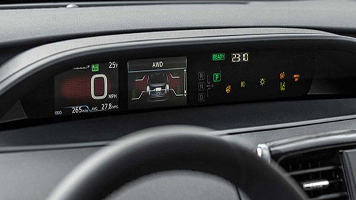 Toyota Prius Hybrid ได้รับการติดตั้งฟังก์ชั่นสุดล้ำระบบนำทางผ่านดาวเทียมแบบระบุรายละเอียดในแต่ละช่วงการเดินทางเพิ่มเข้ามาในหน้าจอแสดงผลแบบ HUD แล้วยังมอบความบันเทิงผ่านระบบมัลติมีเดียแบบ Toyota Touch2