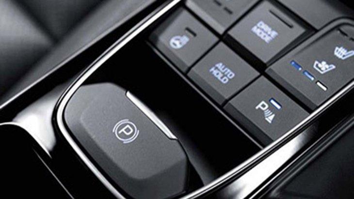 Hyundai Ioniq Electric มอบความปลอดภัยในทุกทริปการเดินทางผ่านระบบเบรก ABS , EBD และ BA ผสานกับการติดตั้งระบบควบคุมเสถียรภาพการทรงตัวแบบ ESP  ที่ช่วยให้ผู้ขับขี่สามารถเข้าโค้งได้อย่างสมดุล และ ระบบเบรกมือไฟฟ้า