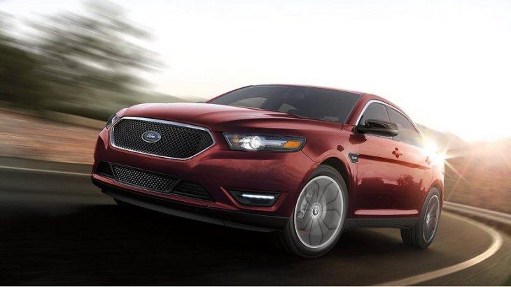 ราคา  Ford Taurus 2019 เริ่มต้นที่ $27,800 – $42,957 ประมาณ 869,028.00 - 1,342,835.82บาท (ราคายังไม่รวมภาษีนำเข้า)