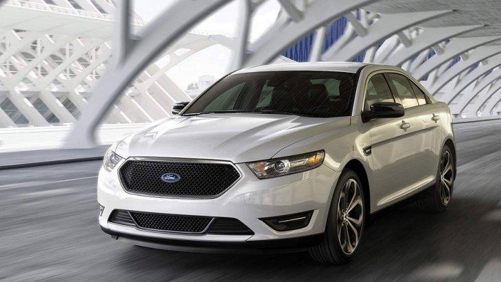 กระจังหน้า SHO โดดเด่นด้วยการถักทอของตาข่ายสีดำล้อมกรอบด้วยโครเมียม เพื่อเสริมความเป็นตัวตนและเอกลักษณ์เฉพาะตัวของ Ford Taurus 2019
