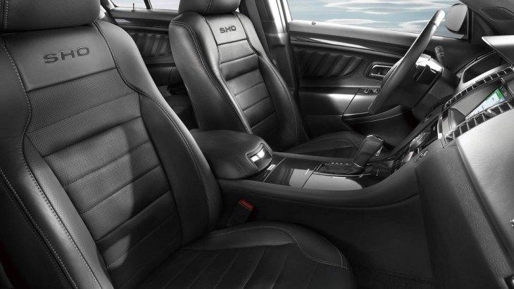 ุภายในห้องโดยสาร Ford Taurus 2019 กว้างขวาง โอ่อ่า ได้การออกแบบและตกแต่งอย่างเรียบหรา และใส่ความเป็นสปอร์ตเข้าไว้ได้อย่างลงตัว