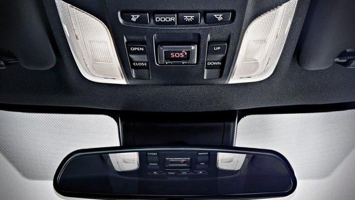 Toyota Levin Hybrid 2019 ได้รับการติดตั้งกระจกมองหลังแบบปรับลดแสงสะท้อนอัตโนมัติและระบบไฟส่องสว่างภายในห้องโดยสารที่มาพร้อมความคมชัดในระดับพรีเมี่ยม
