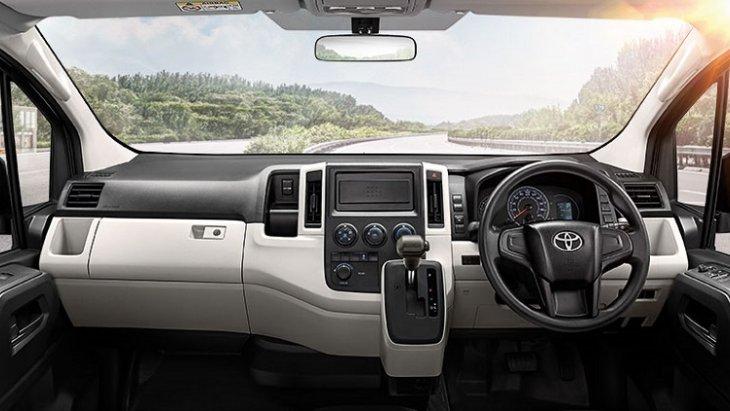 ภายในห้องโดยสาร All New Toyota  Commuter 2019 ออกแบบและตกแต่งอย่างเรียบหรู ที่มาพร้อมสิ่งอำนวยความสะดวกครบครัน ตอบโจทย์การใช้งานทุกรูปแบบ