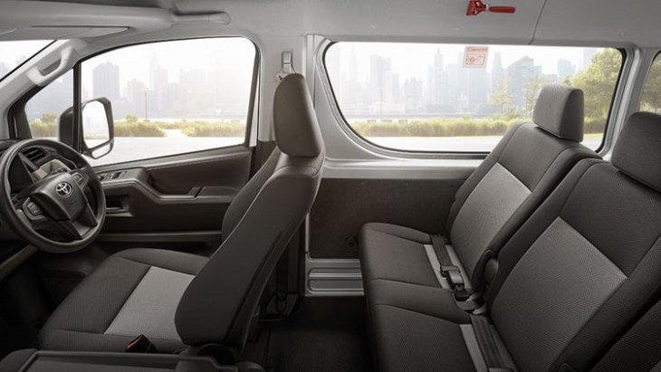 ภายในห้องโดยสาร All New Toyota  Commuter 2019 กว้างขวาง นั่งสบายทุกที่นั่ง เพิ่มสุนทรียะใหม่แห่งการเดินทาง พร้อมเปิดรับทุกมุมมองได้อย่างเต็มที่