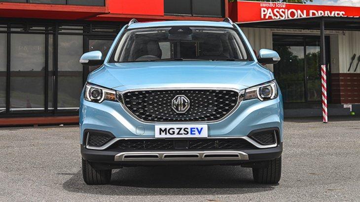MG ZS EV ให้ความสว่างในทุกเส้นทางด้วยไฟหน้า Projector Lens แบบ ฮาโลเจน และ ไฟ Daytime Running Lights แบบ LED