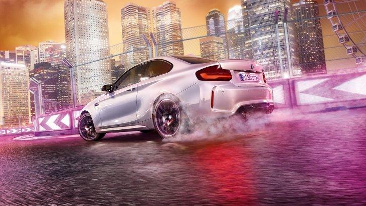 BMW M2 Competition มาพร้อมกับเครื่องยนต์เบนซินใหม่ขนาดหกสูบแถวเรียง เทอร์โบคู่ ให้กำลัง 410 แรงม้า แรงบิดสูงสุด 550 นิวตันเมตร อัตราเร่งเครื่องยนต์สูงสุด 7,600 รอบ/นาที
