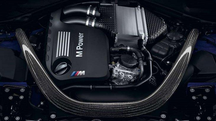 BMW M4 Convertible  มาพร้อมกับเครื่องยนต์เบนซิน 3.0 ลิตร 6 สูบ แถวเรียง M TwinPower Turbo รอบความเร็วที่สูงถึง 7,600 รอบต่อนาทีรับ ให้กำลังสูงสุด 450 แรงม้า  แรงบิดสูงสุดที่ 550 นิวตันเมตร ด้วยหัวฉีดแบบไดเรค Bi-turbo