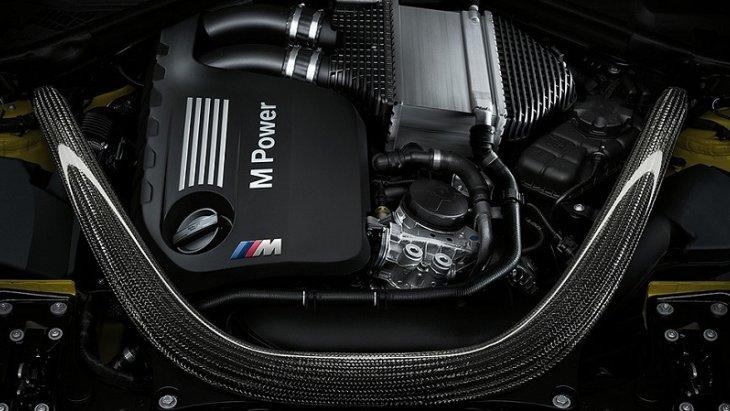 MBW M4 Coupe มาพร้อมกับเครื่องยนต์เบนซิน 6 สูบแถวเรียง M TwinPower Turbo 3.0 ลิตร รอบสูงถึง 7,300 รอบต่อนาทีและให้กำลังเครื่องเต็มสูบด้วยแรงบิดสูงสุด 550 นิวตันเมตร กำลังสูงสุด 317 กิโลวัตต์ (431 แรงม้า)