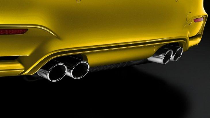 ตอกย้ำความเป็นรถสปอร์ตสุดปราดเปรียวให้กับ MBW M4 Coupe ด้วยท่อไอเสียคู่  ติดตั้งปลายท่อแบบปลายบากสี่ชุด เพื่อให้ได้เสียงเครื่องยนต์ที่เร้าใจถูกใจสายซิ่ง