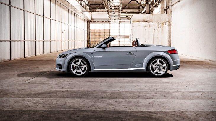 โดยดีไซน์ Audi TT ตัวถังนั้นยังคงเอกลักษณ์ ไม่เปลี่ยนแปลงตั้งแต่เปิดตัวเมื่อปี 1998 พาร์ตพิเศษสำหรับรุ่นฉลอง 20 ปี