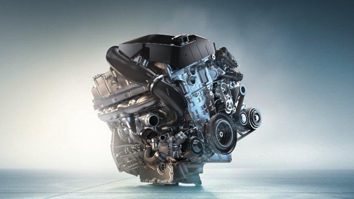 BMW 1 มาพร้อมกับเครื่องยนต์เทคโนโลยี TWINPOWER TURBO ของบีเอ็มดับเบิลยู ซึ่งเป็นวัตกรรมใหม่ของเครื่องยนต์เบนซิน ให้กำลังสูงสุด100 กิโลวัตต์  136แรงม้า  ที่ 4,500–6,000 รอบต่อนาที  แรงบิดสูงสุด 220 นิวตันเมตร ที่ 1,250–4,000 รอบต่อนาที