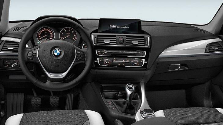 BMW 1 มาพร้อมกับอุปกรณ์และสิ่งอำนวยความสะดวกที่ทันสมัย และถูกจัดวางในตำแหน่งที่ยึดผู้ขับขี่เป็นศูนย์กลาง เพื่อง่ายและสะดวกต่อการใช้งาน